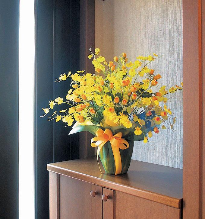 光の楽園(光触媒造花)ゴールドストライク、イメージ画像